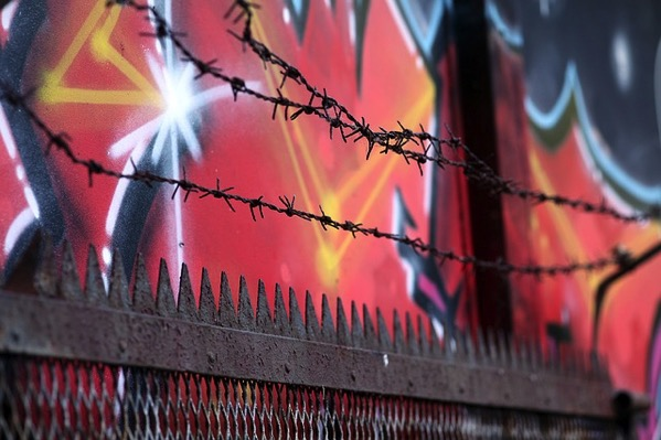 Barbed wire 946525 640